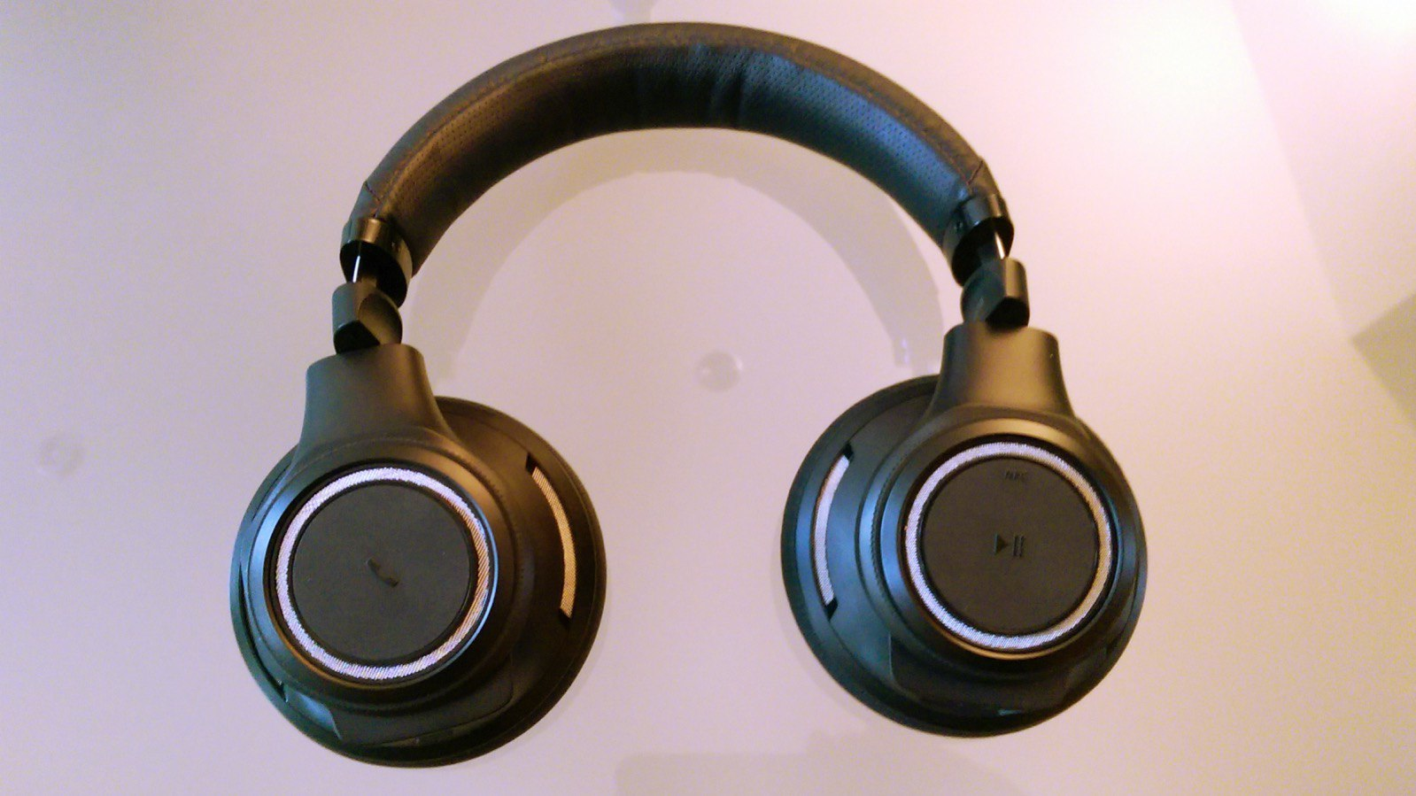 Plantronics Backbeat Pro (5/7)