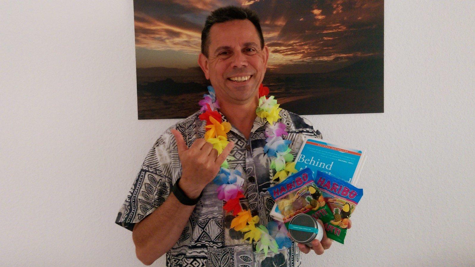 Frank Hamm (mit Shaka-Zeichen) #salesforcelive